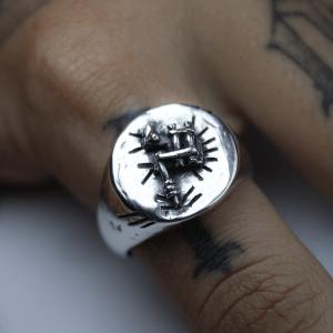 Anel Tattoo redondo prata 950