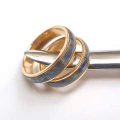 PAR DE Alianças de Compromisso Inlay Cianita Azul Ouro 18k